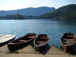 Canoes along the lake